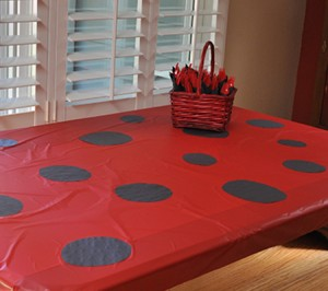 lbptable 300x266 A Ladybug Birthday Party