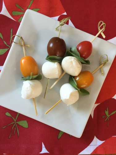 CAPRESE SALAD STICKS Photo courtesy of Petite Nutrition.
