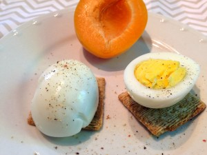 HARD-BOILED EGG & CRACKERS OR FRUIT Photo courtesy of Petite Nutrition.
